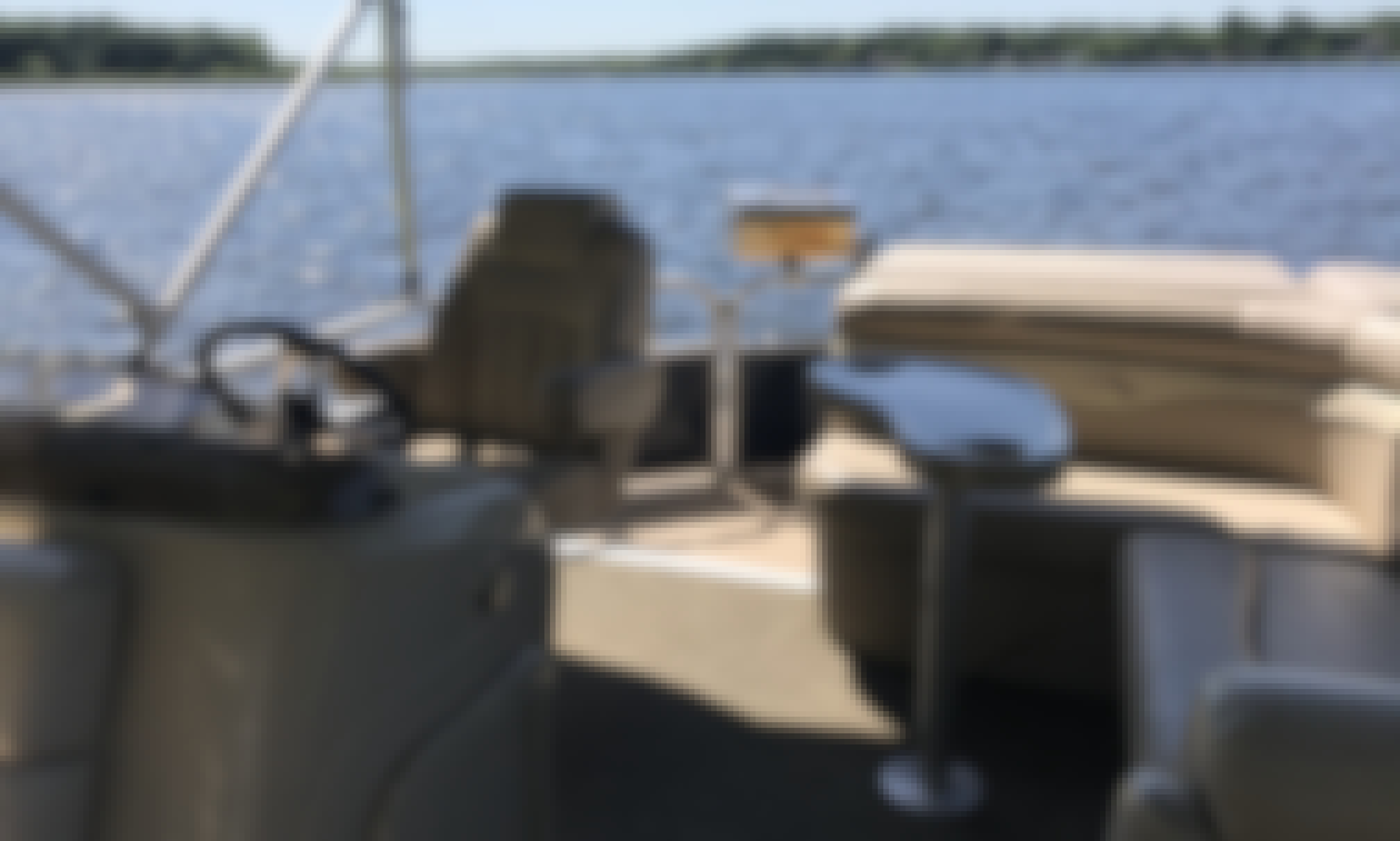 20' Bennington Pontoon for Rent in Portage, Michigan