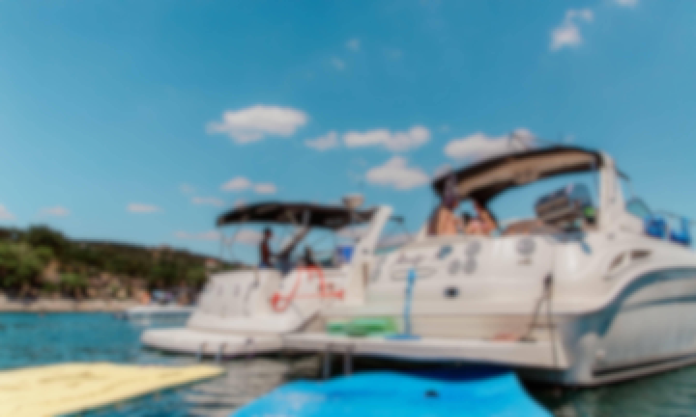 Lake Travis 32 Foot Cruiser