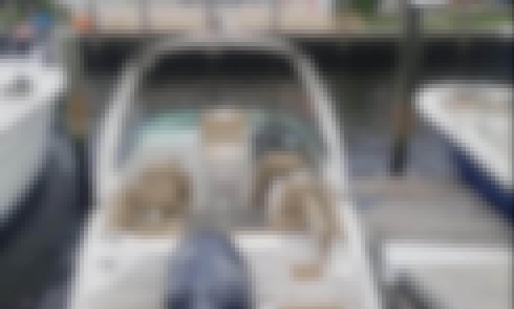 Brandnew 25' NauticStar Deck Boats for Rent in North Miami Beach