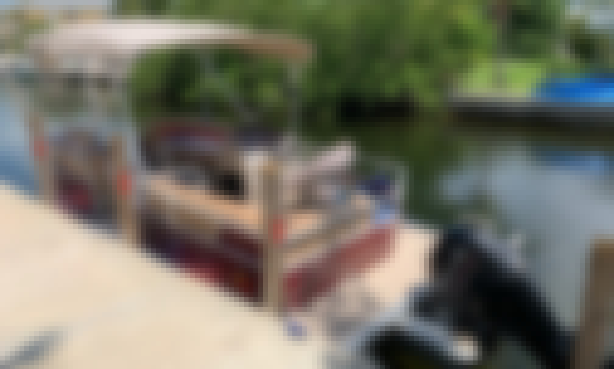 18' Pontoon for Rent in Cudjoe Key, Florida. Includes gas on single day rental, trails to local hot spots. SAVE Big on multi day and week rental. Up to 50%