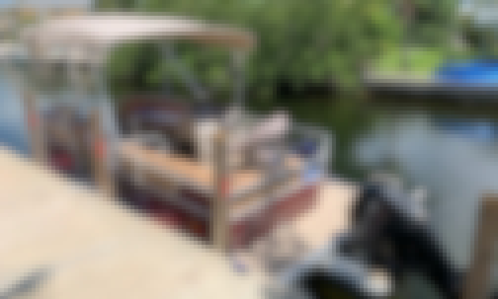 18' Party Barge Pontoon for Rent in Cudjoe Key, Florida. SAVE Big on multi day and week rental. Up to 50%