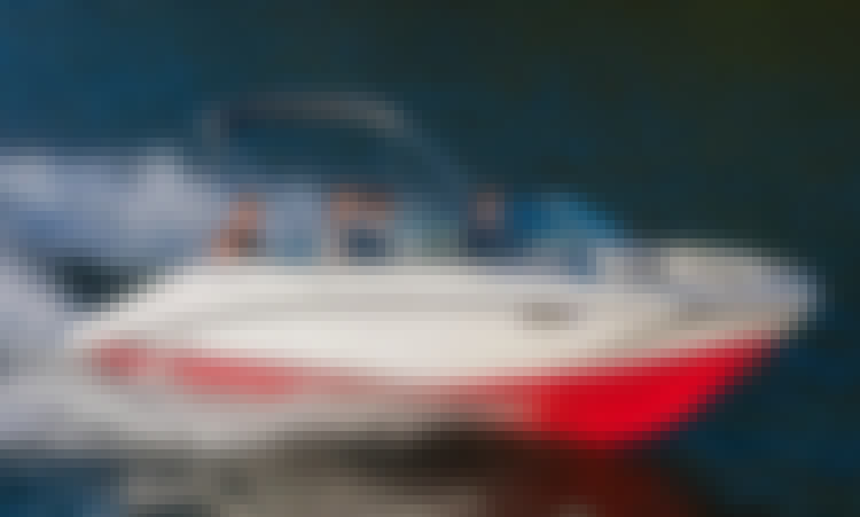 2018 Yamaha Jet Boat Seats 8 with optional toys in Marina del Rey, California