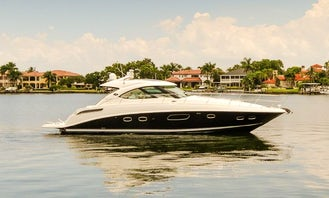 Luxury Sea Ray Sundancer 470 Yacht Charter with Crew in Sag Harbor
