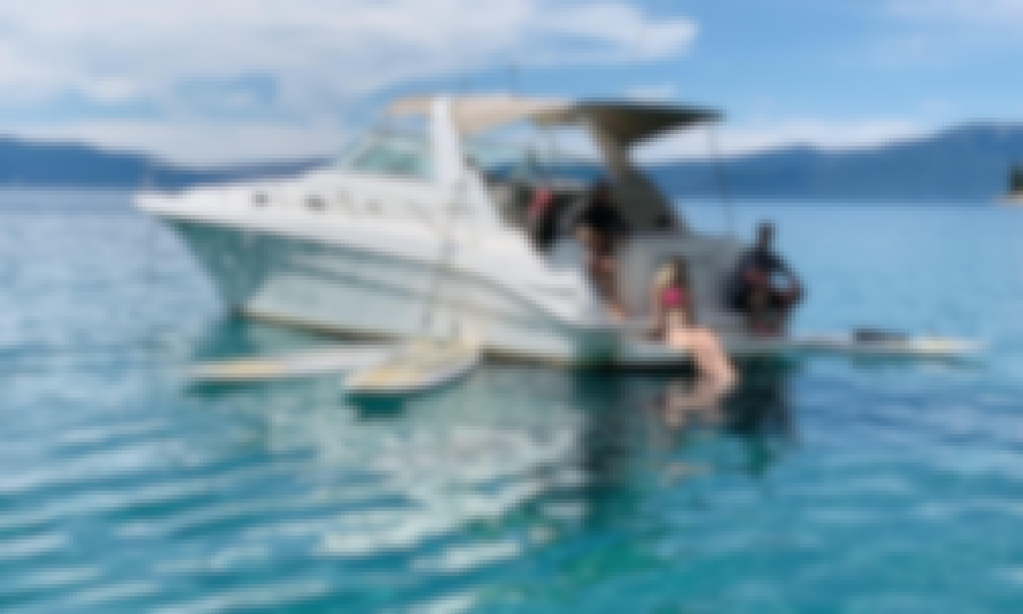 33 ft. Deluxe Powerboat Charter