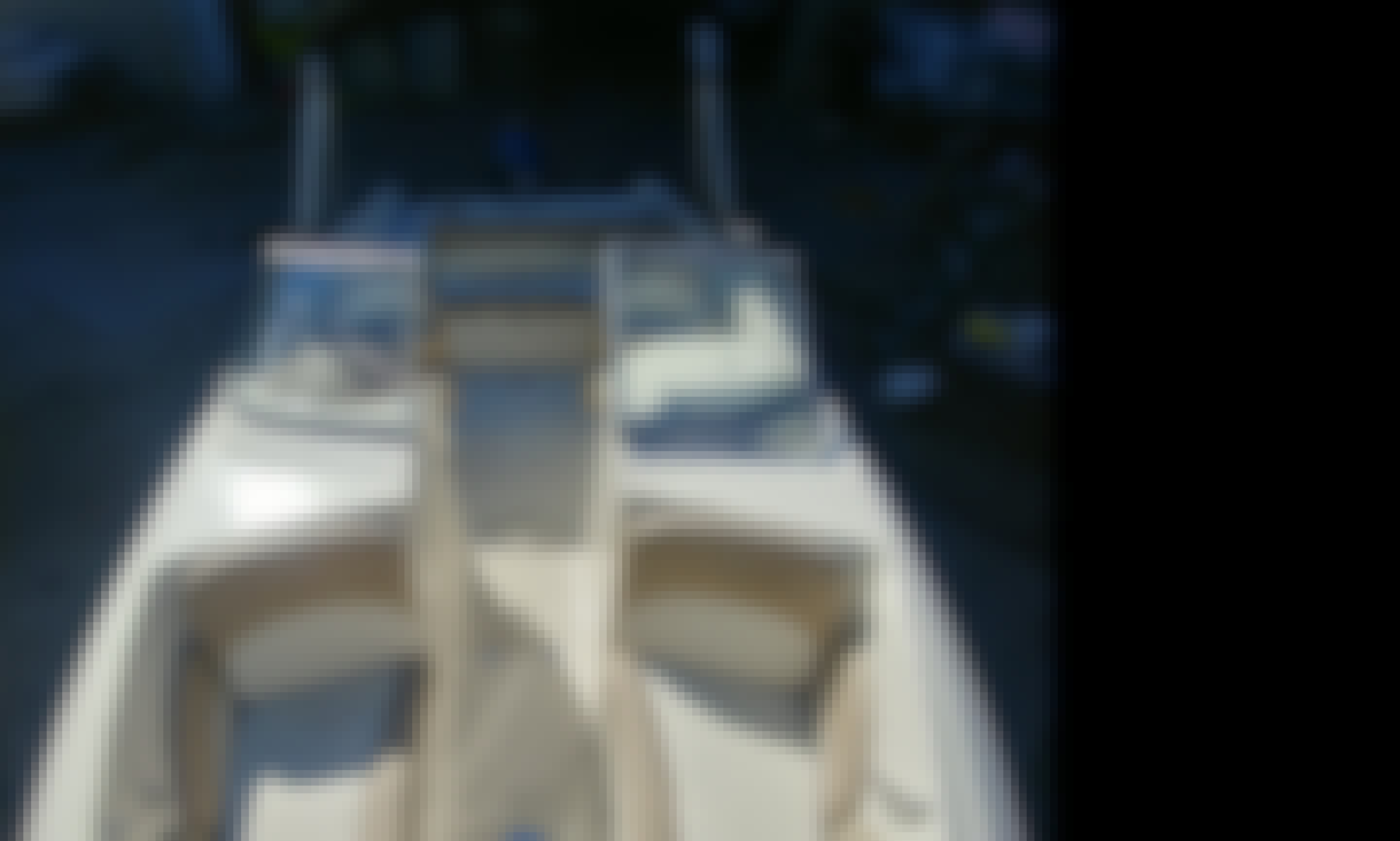 24ft Stingray, Sport deck boat