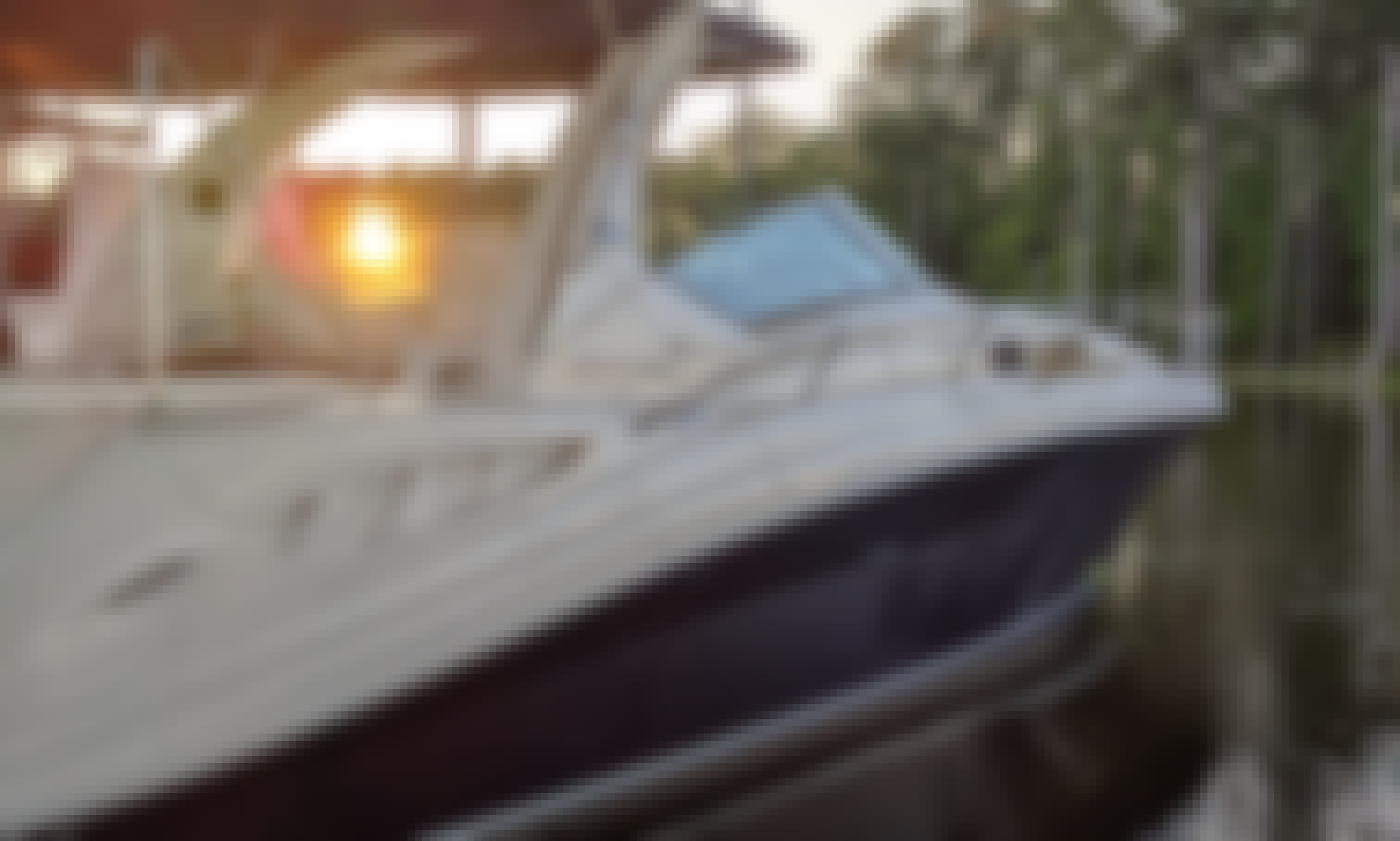 34' SeaRay Luxury Yacht Tours on Beautiful Lake Murray with Captain John