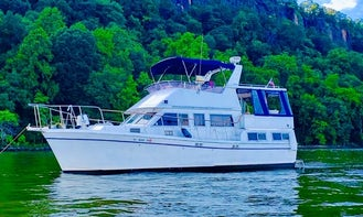 Private Yacht charter for all occasions in NY/NJ