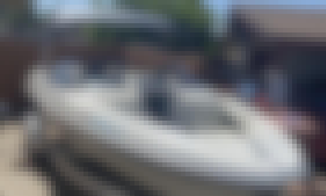 Rent a Versatile 21' Bayliner Capri Boat in Scottsdale, Arizona