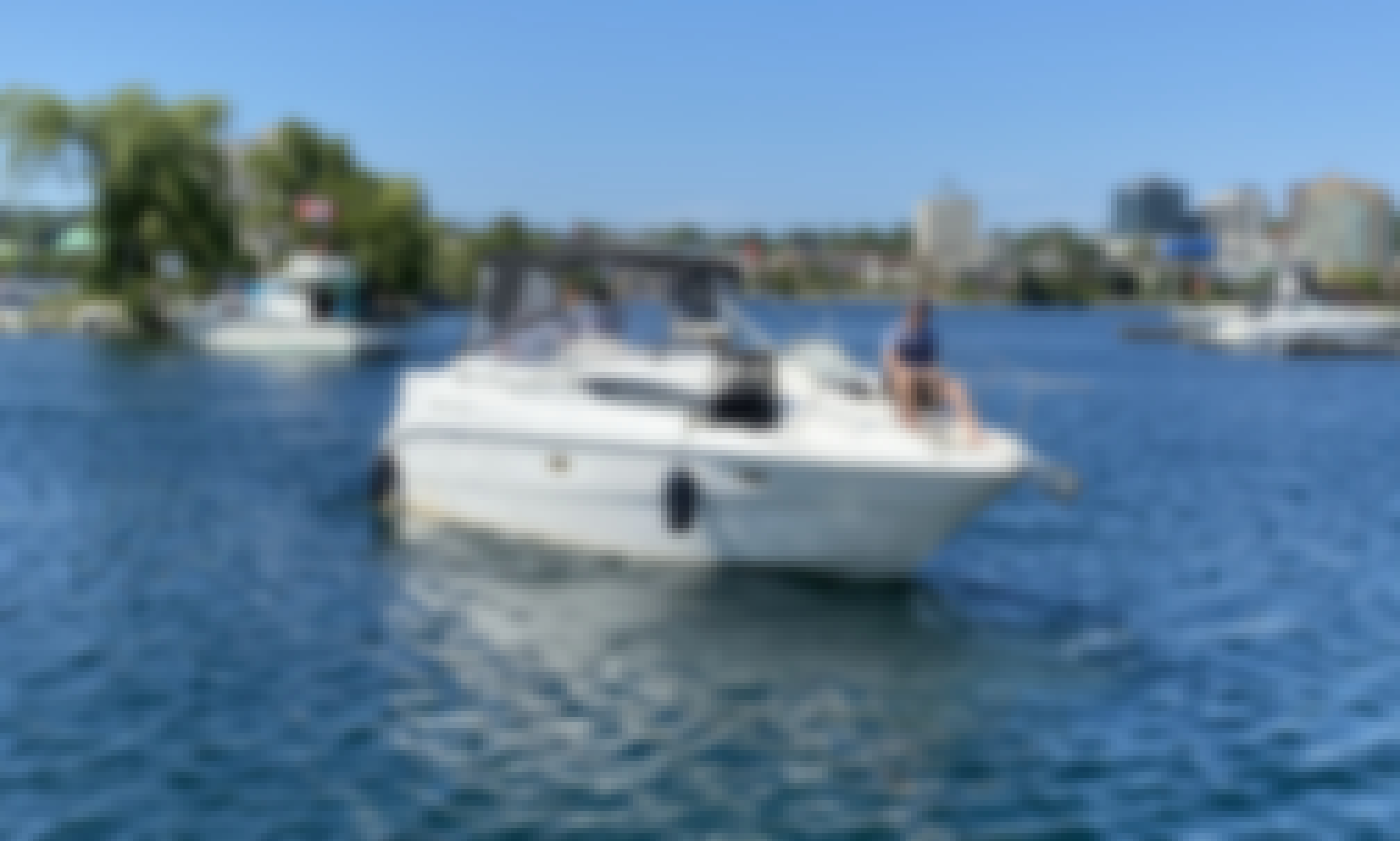 Yacht Charter for 6 People in Barrie, Ontario