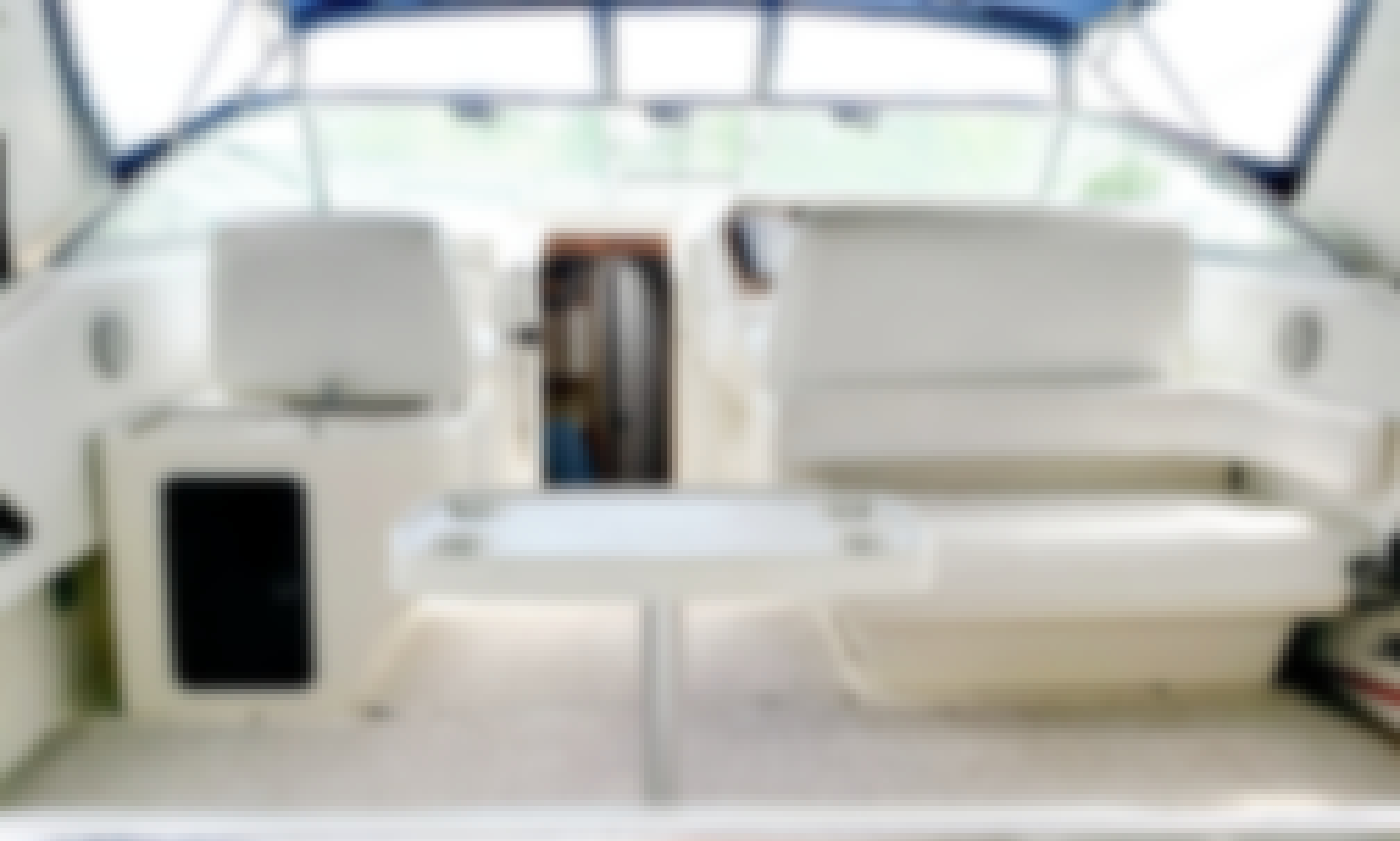 *REDUCED RATES!* 40' Four Winns Private Luxury Yacht Charter In Toronto