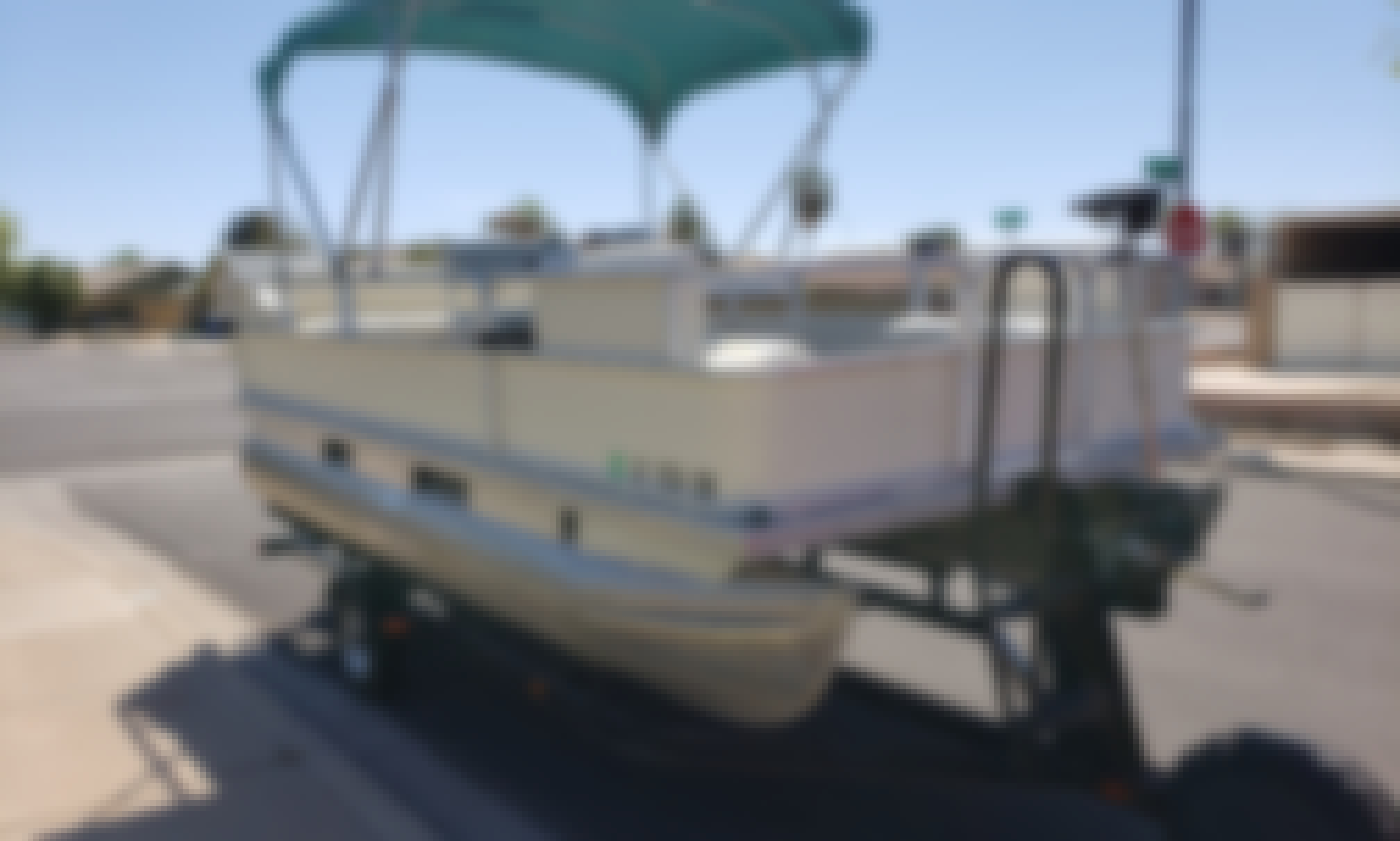 17' Sun Tracker Pontoon for Rent in Mesa