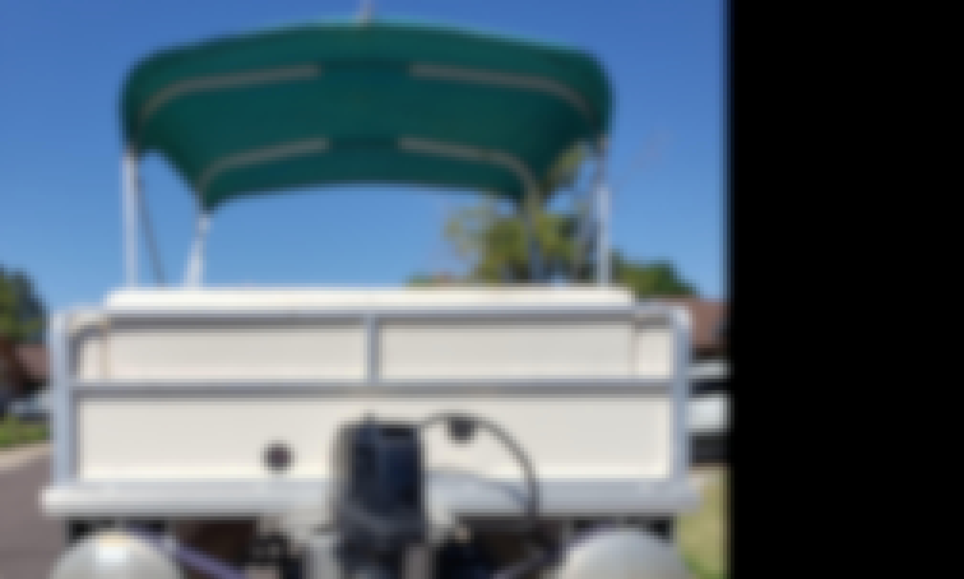 17' Sun Tracker Pontoon for Rent in Mesa