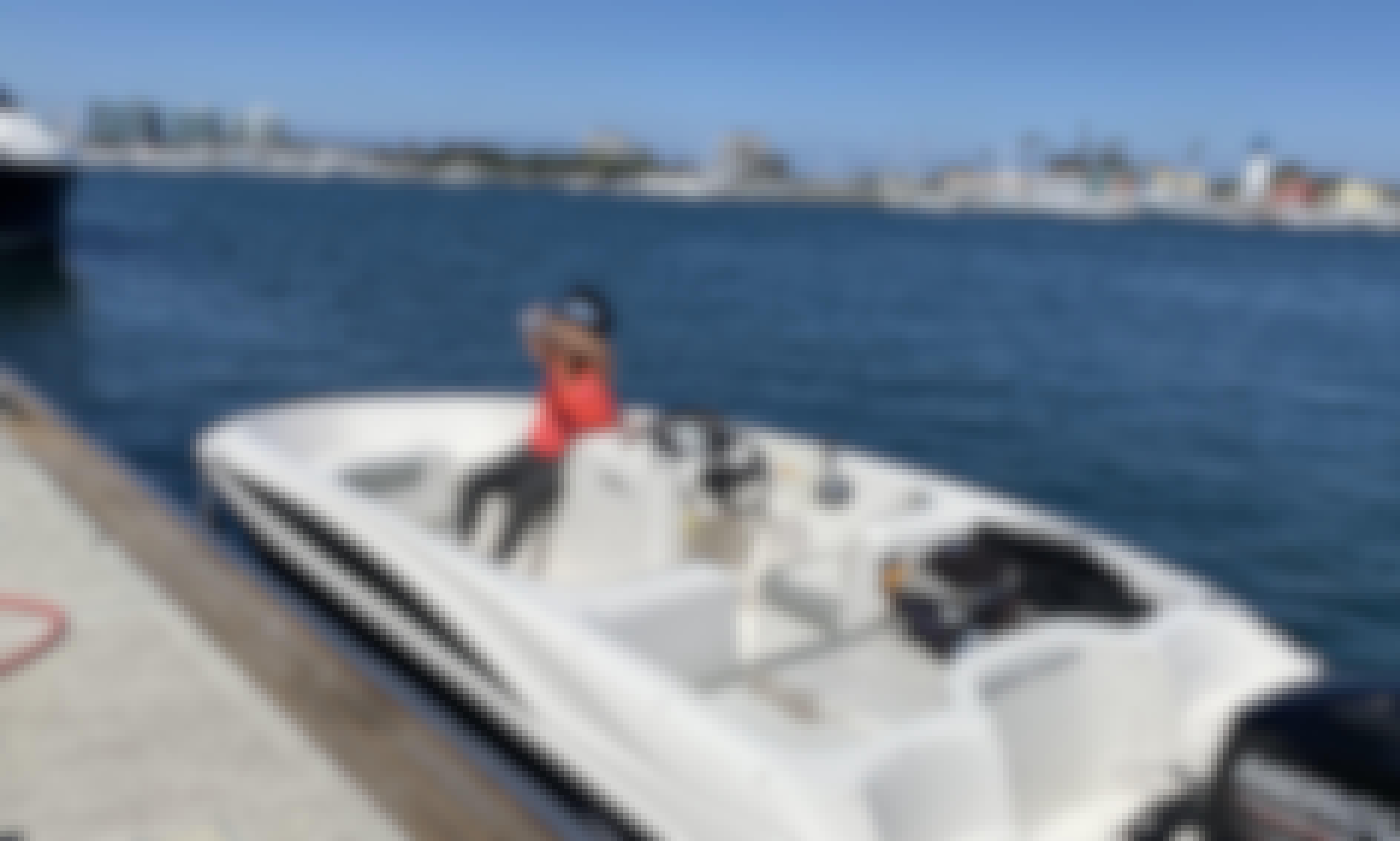 16' Bayliner Element Deck Boat Rental in Marina del Rey