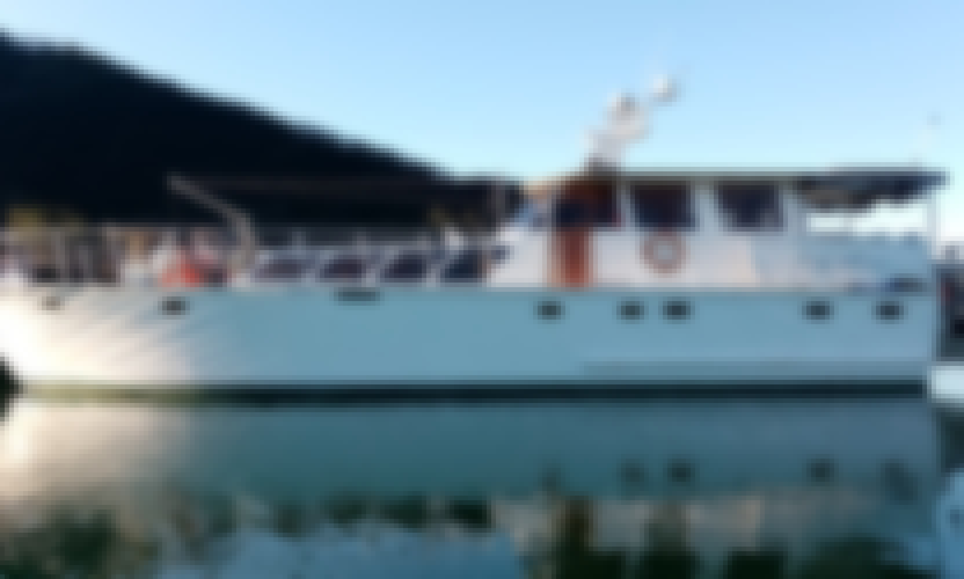 Charter Yacht With Capacity of 10 in Paihia