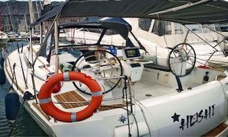 5 Cabin Jeaneau Sun Odyssey 509 Cruising Monohull in Dénia, Spain