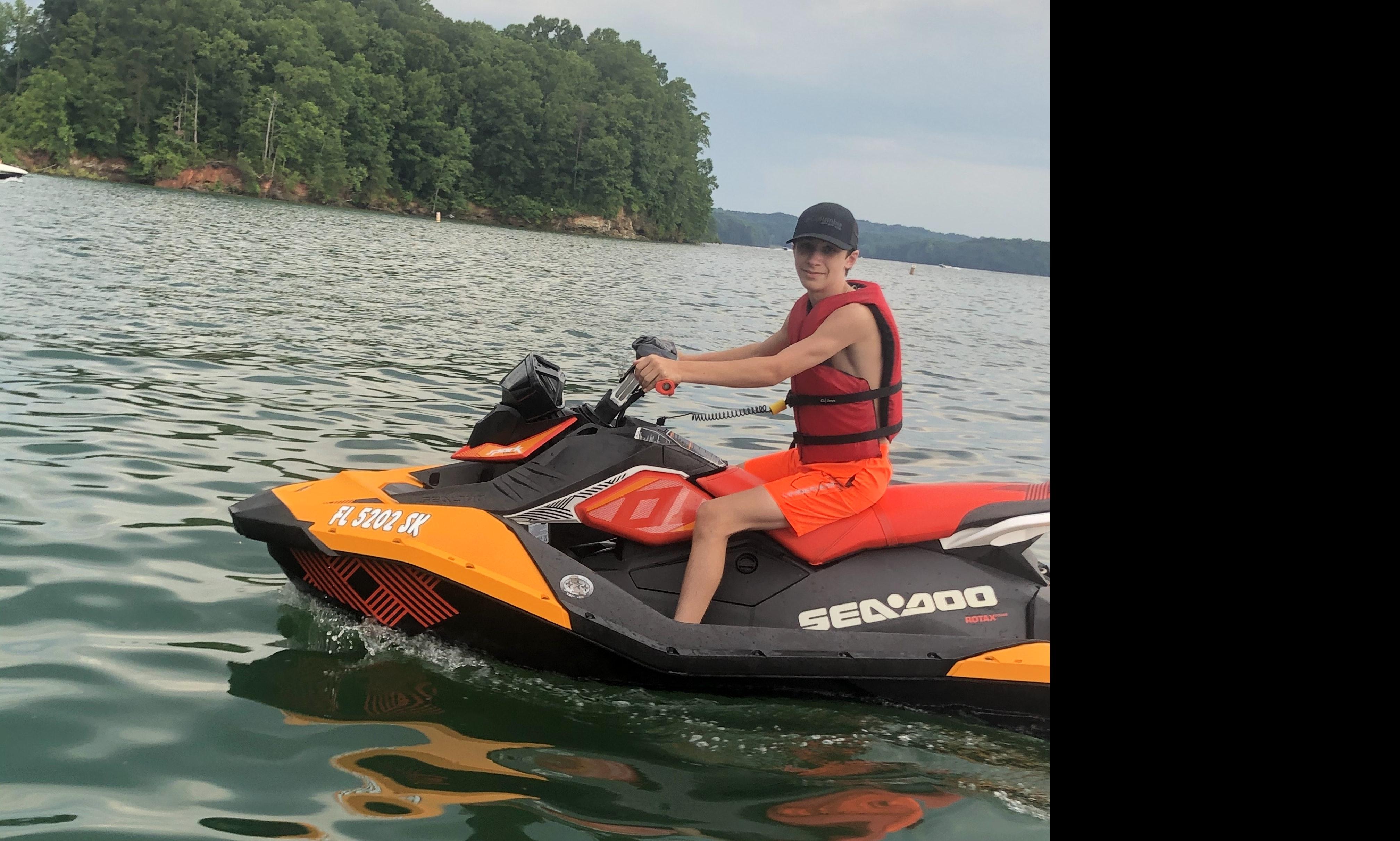 Fun Jet Skis for rent On Lake Lanier | GetMyBoat