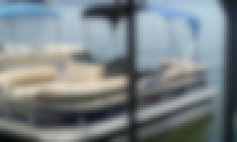 Nice Pontoon Boat Rental for Lake Athens TX or Cedar Creek Reservoir TX- Cruising, Exploring, Fishing