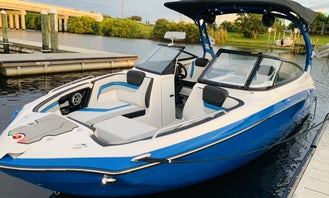 Yamaha 242x E-Series - Delivered to a Boat Ramp Near You!