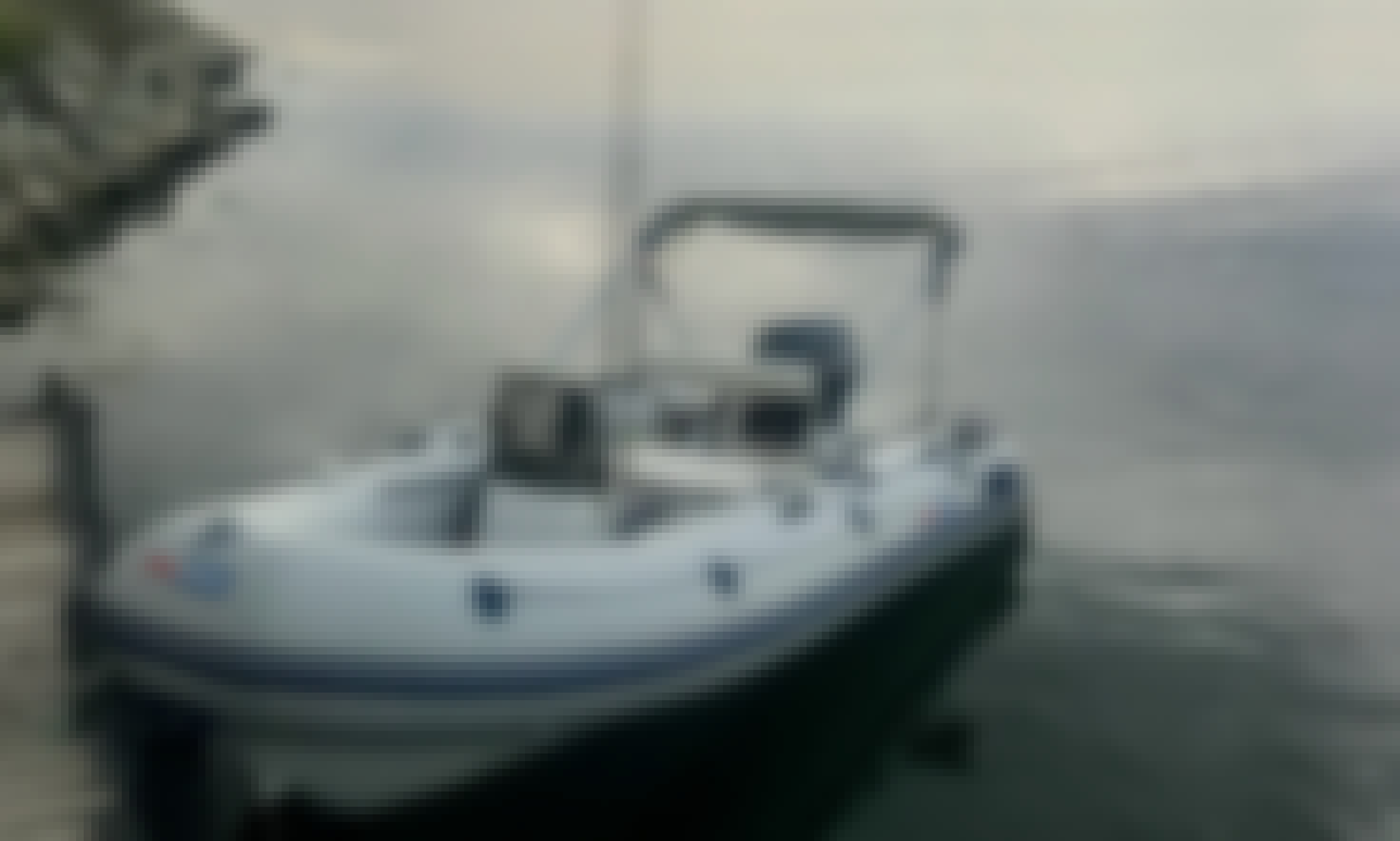 Motor Boat Tohamaran Rental in Varna