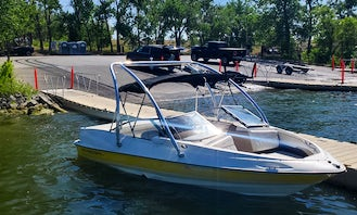 Regal 18ft Ski Boat for up to 8 people in Colorado