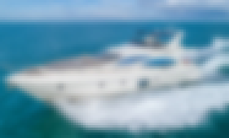 Charter a Stunning Azimut Flybridge in Miami Beach