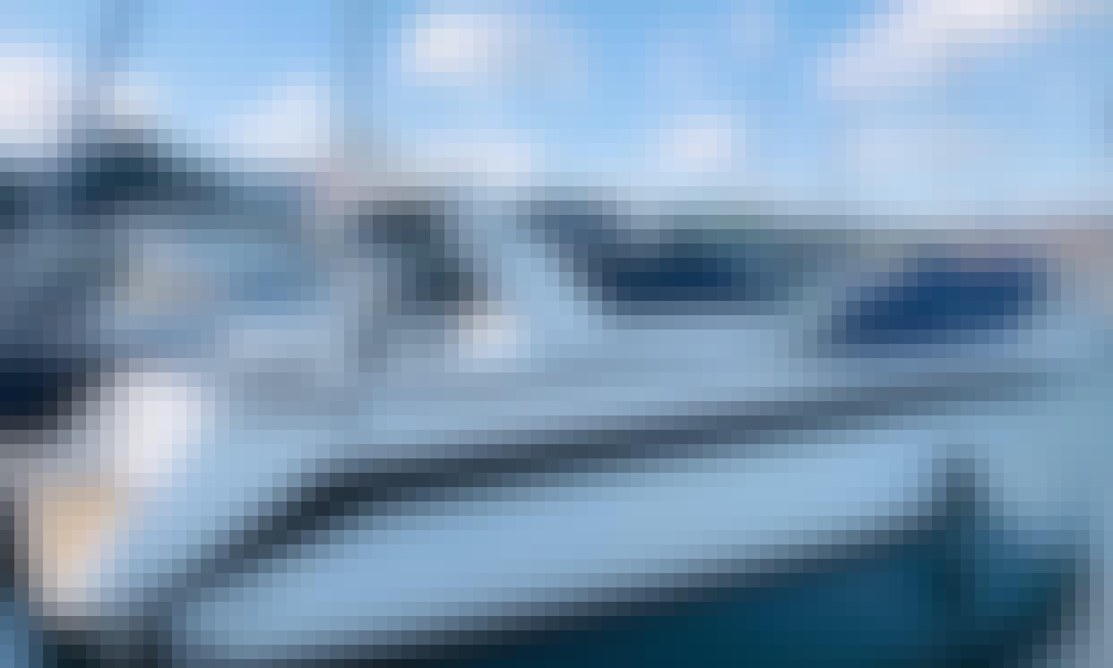 Sea Ray 350 Sundancer Yacht For Charter in Lisboa, Portugal