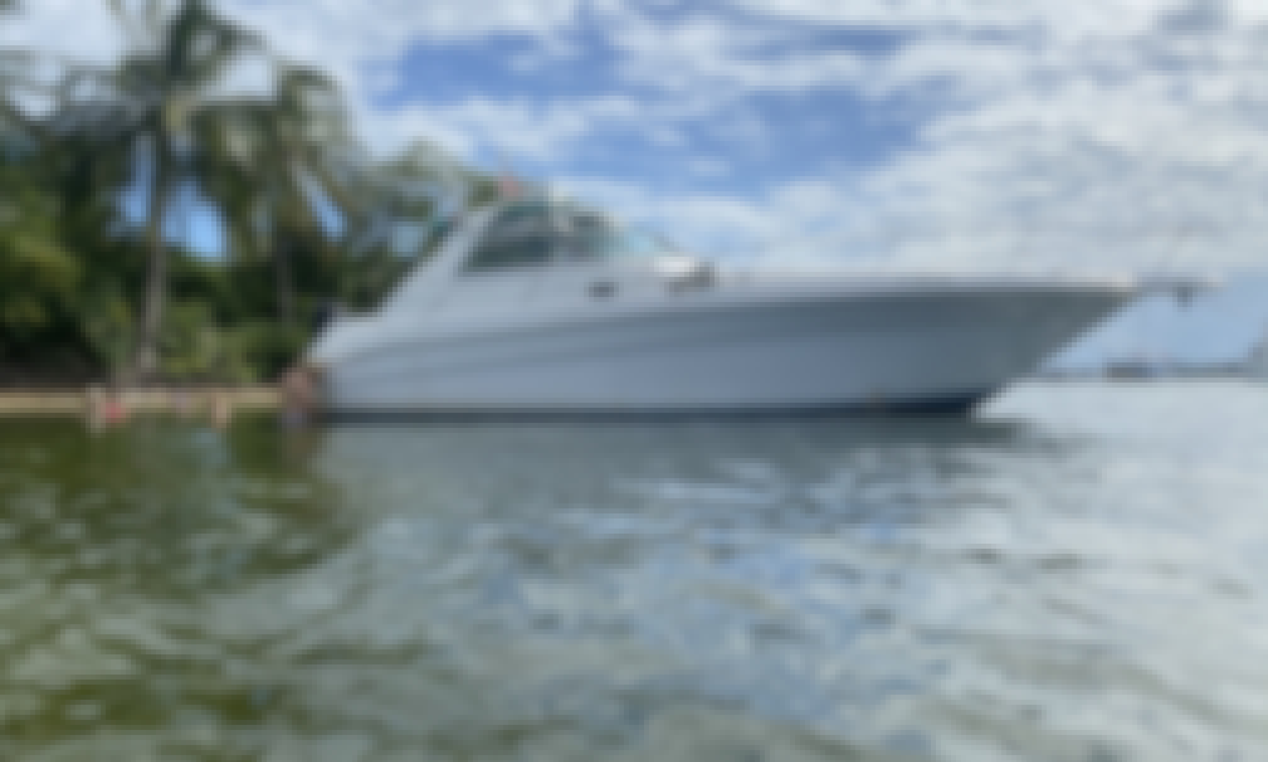 Charter American Boat Tours in Miami