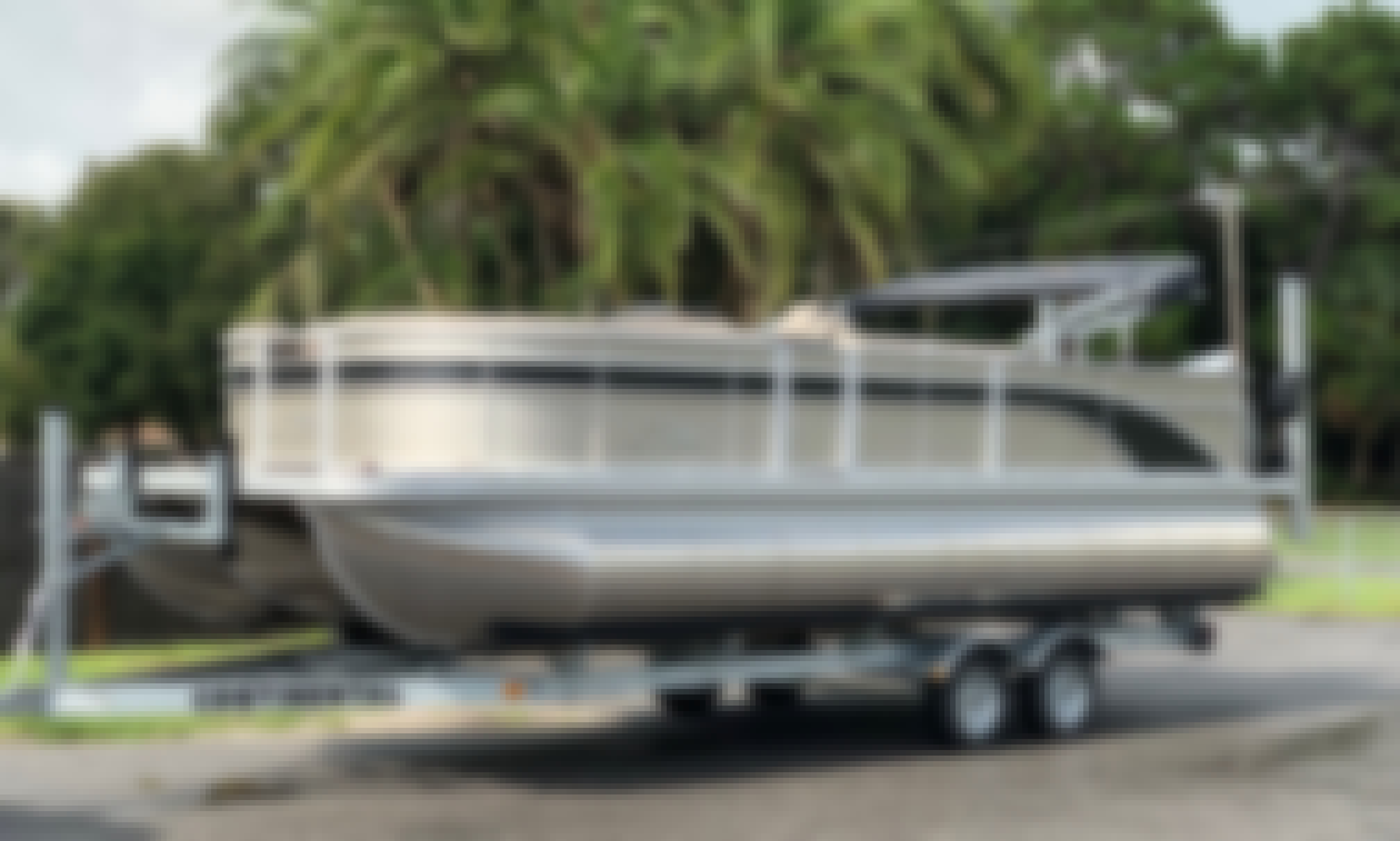 Comfortable Family & Fishing Boat for a Great Day!