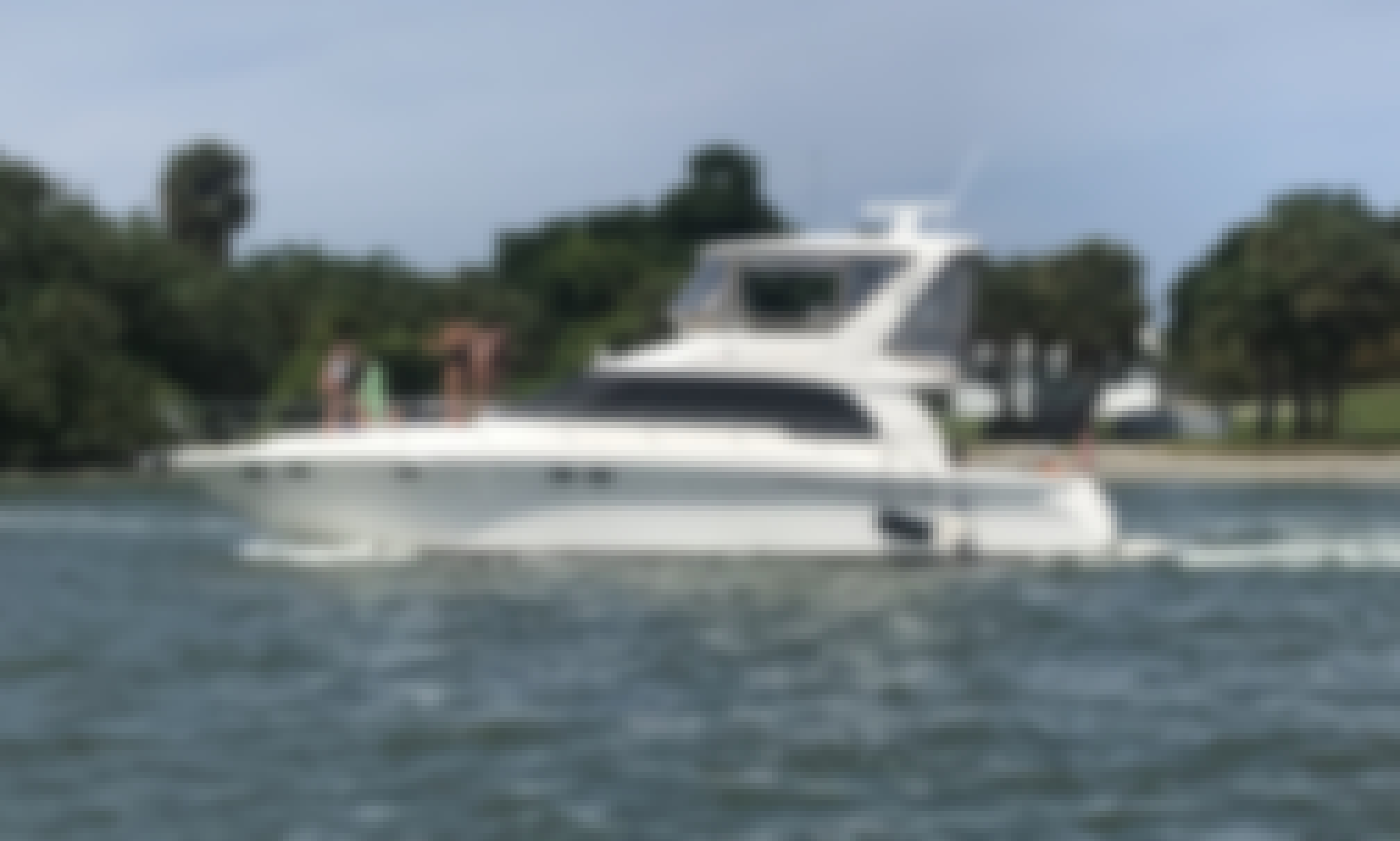 """52' Sea Ray Luxury Yacht with Captain. """"Palm Beach"""" Starting $325 Per Hour"""