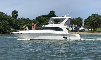 52' Sea Ray Luxury Yacht with Captain Starting $ 365 per hour