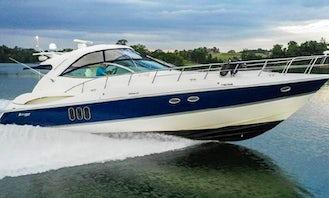 Cruisers 520 Express Yacht for Amazing Cruises around Long Island Waters!