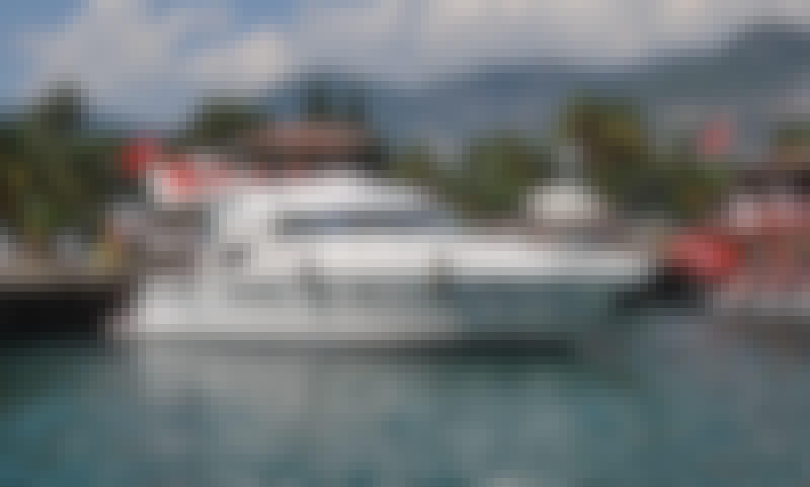 Lux White Motor Yatch in Alanya