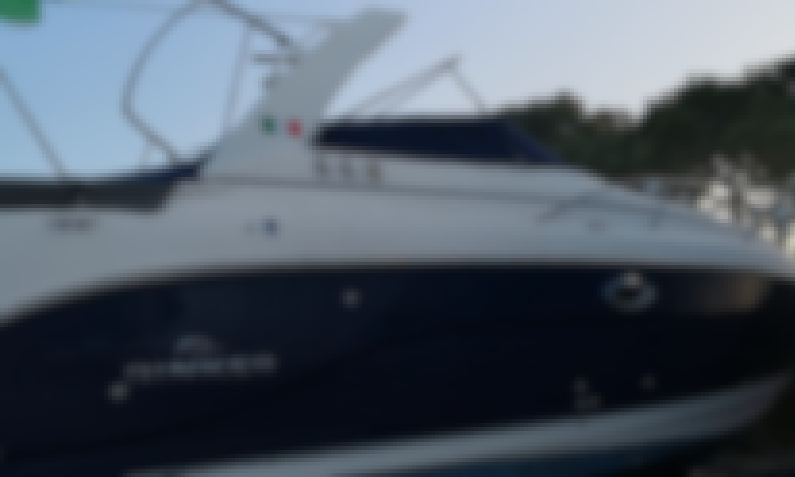 Rinker 300 For Rent in Ancona Monte Conero - 2 Sorelle