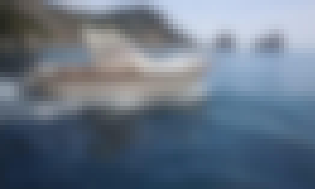 30ft Jeranto Motor Yacht for rent in Sorrento