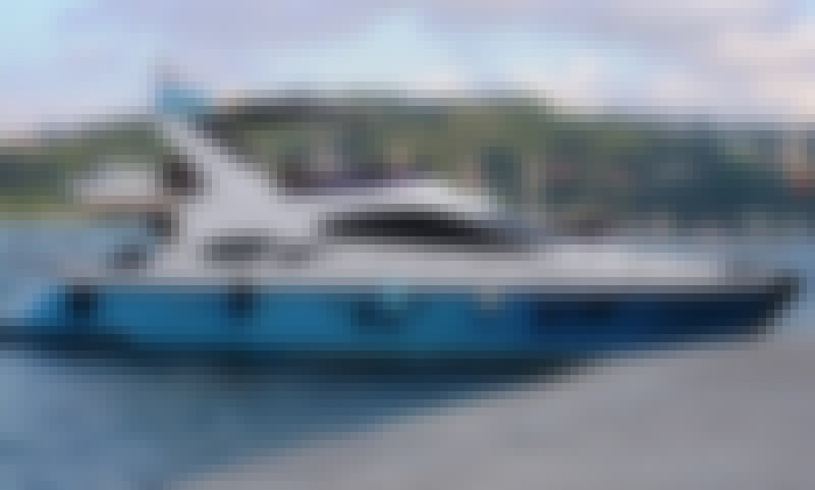 12 Person Yacht Charter in İstanbul