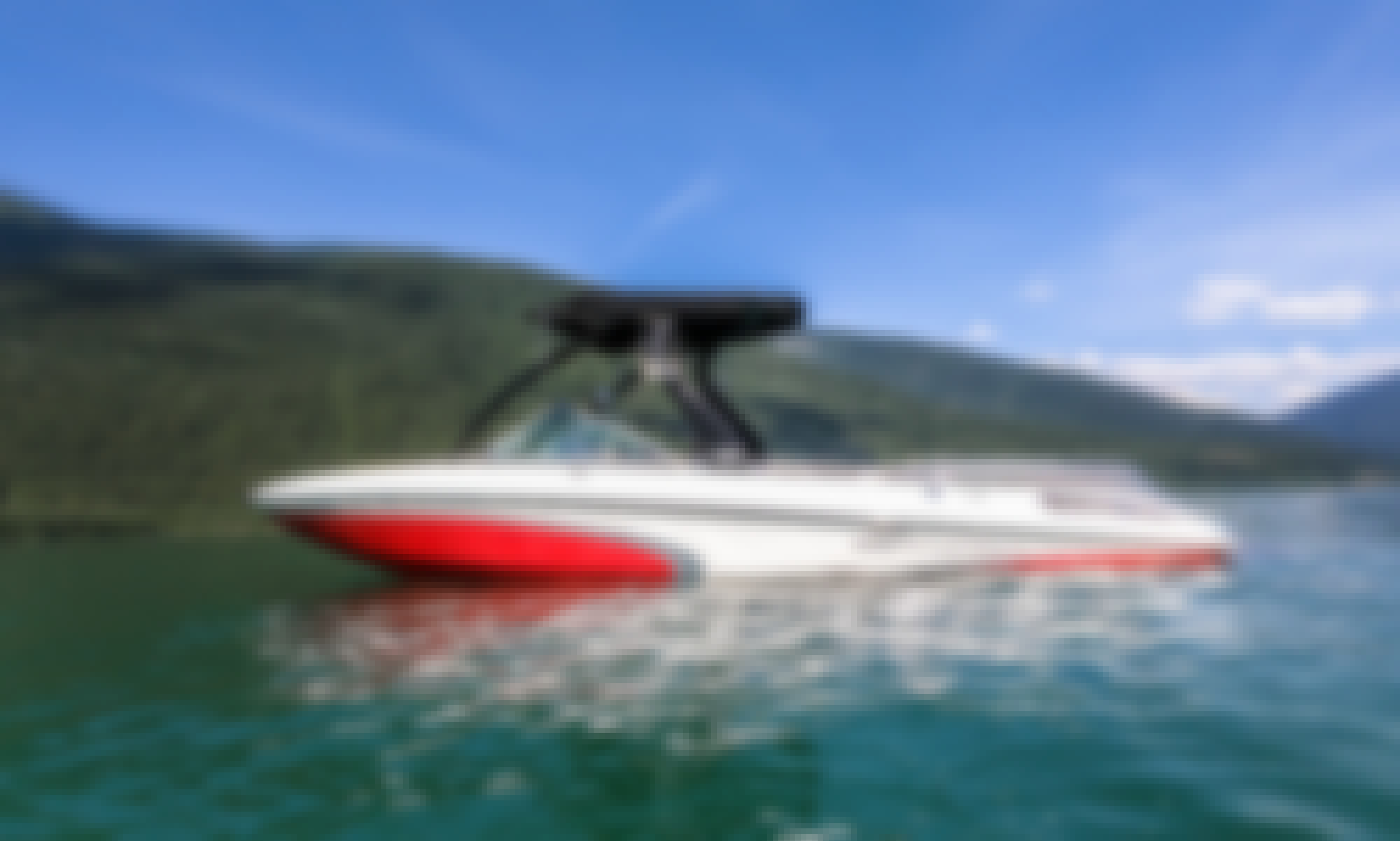 Centurion Enzo SC230 Powerboat for Rent in Sicamous