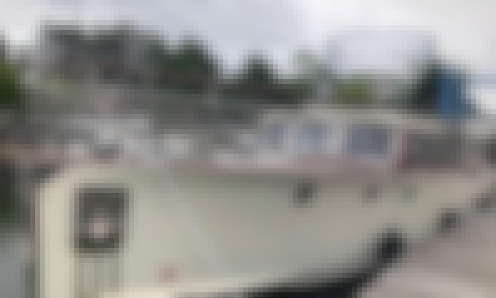 Gentleman's Commuter Yacht
