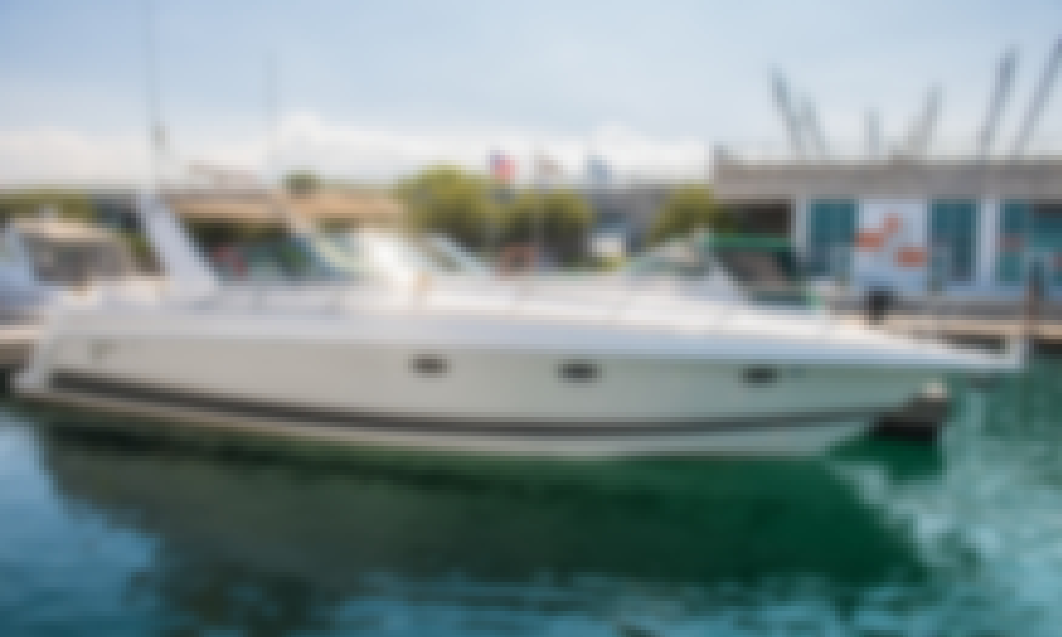 "41ft ""Formula 41 PC"" Motor Yacht Rental in Chicago, Illinois"