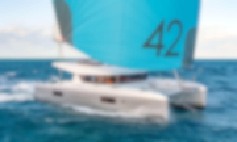 42' Lagoon Catamaran in Aberdeen, Hong Kong