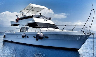 Luxury 12 Person Motor Yacht Great for Group Tour and Private Events in İstanbul, Turkey