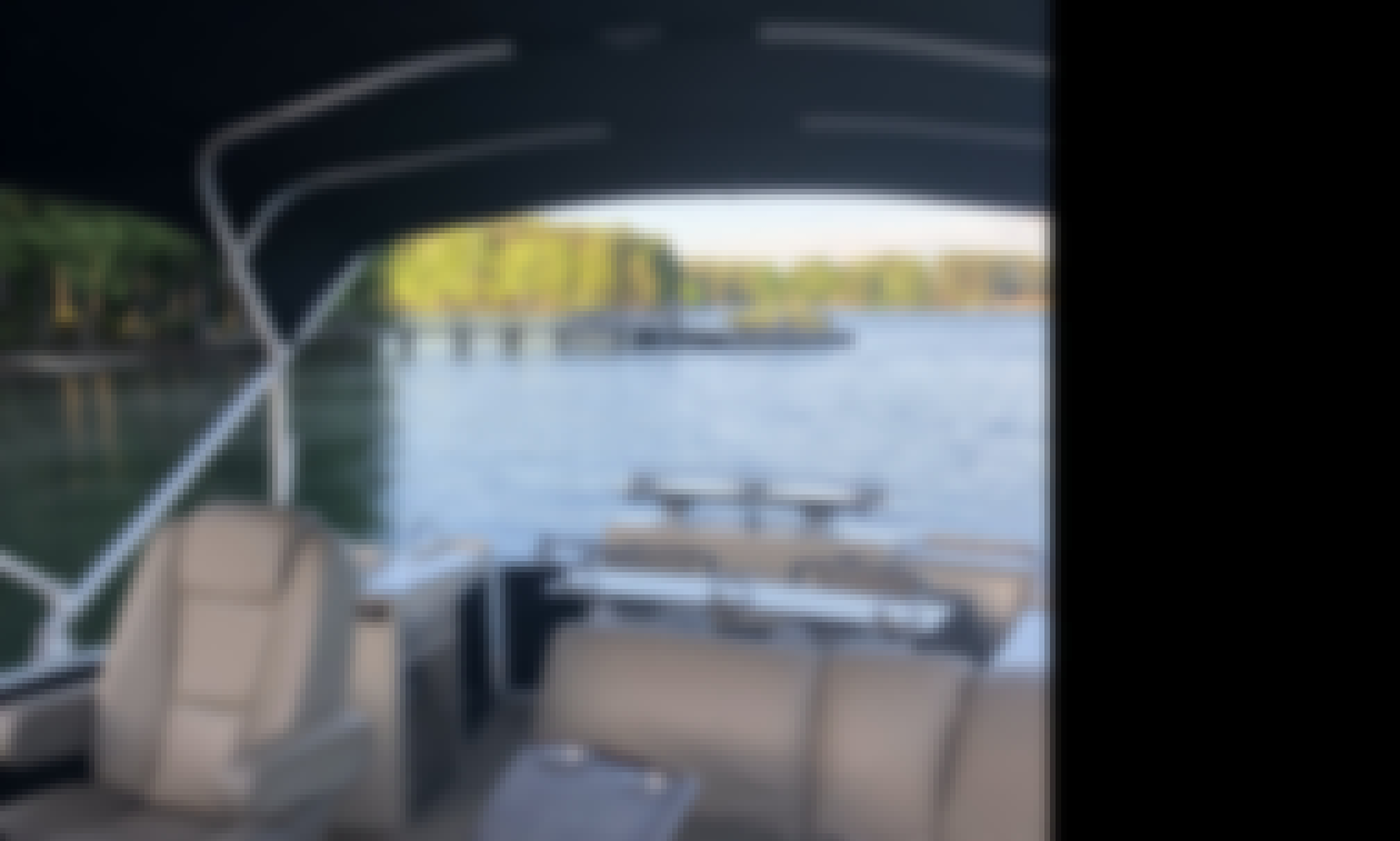 27' Pontoon with Captain on Lake Norman