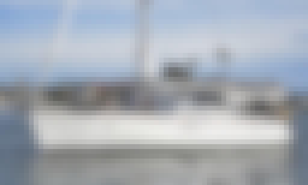 Enjoy a Beautiful luxurious 47 Ft Beneteau Sailboat for a Sunset Harbor Cruise