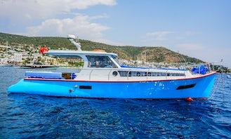 Cozy Motor Yacht Charter for 4 People in Muğla, Turkey