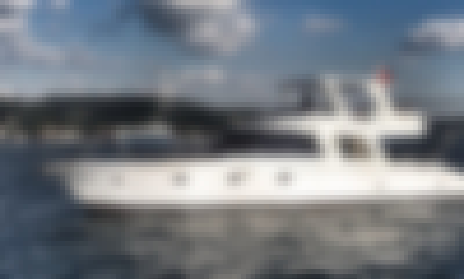 12 Person Motor Yacht Charter in İstanbul
