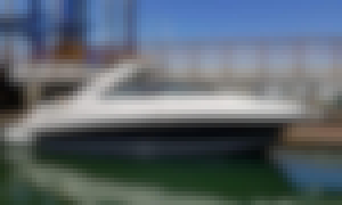 38' 2015 Sea Ray Motor Yacht Rental in San Diego
