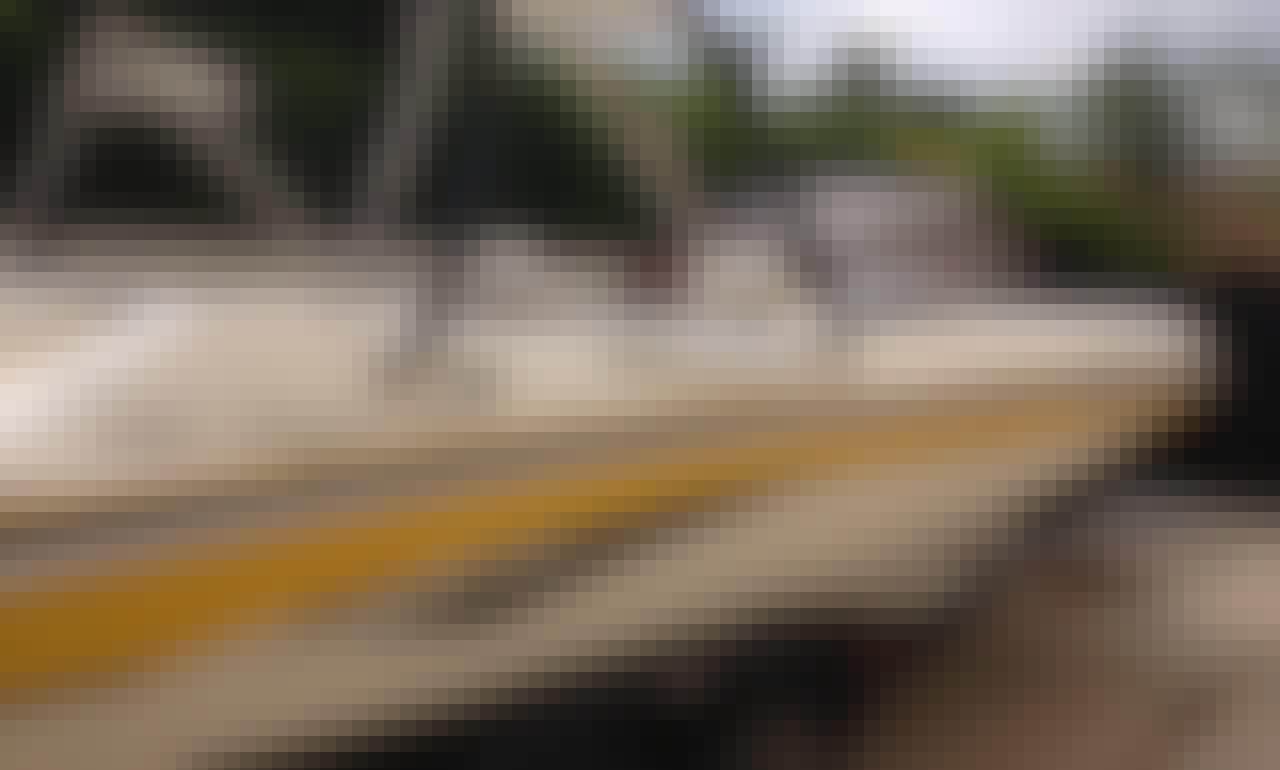22 Kayot Wakeboard/Ski/ Cruising Boat Rental in San Diego, California