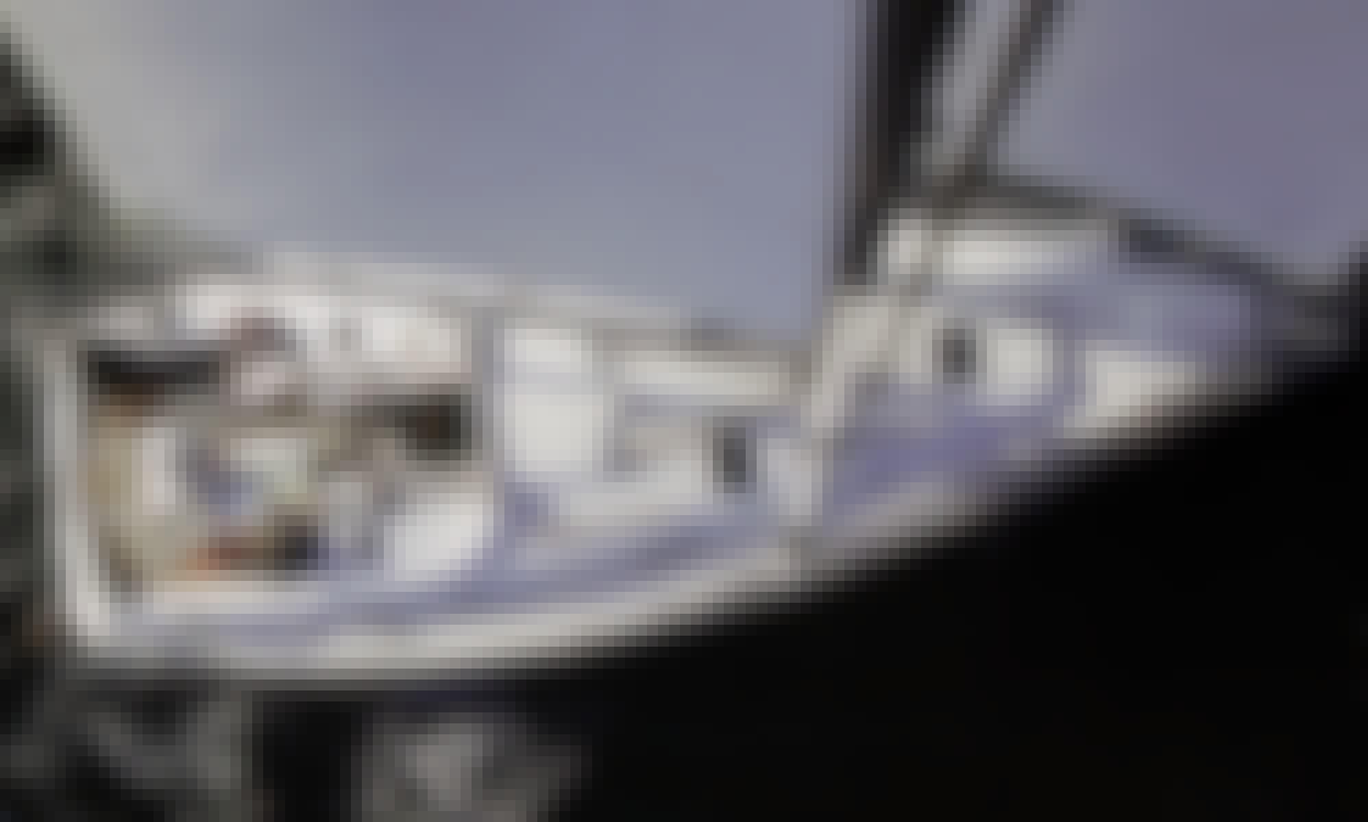 38 feet Beneteau Sailing Yacht Rental in Vancouver, British Columbia