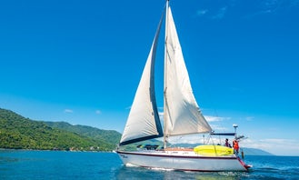Sailing Sloop Hunter 40 in Puerto Vallarta