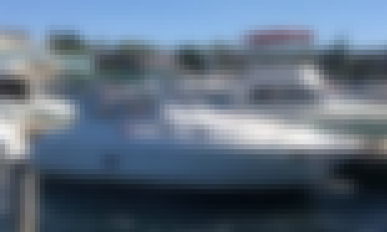 Book Cabin Motor Boat with a Captain on Kirkland