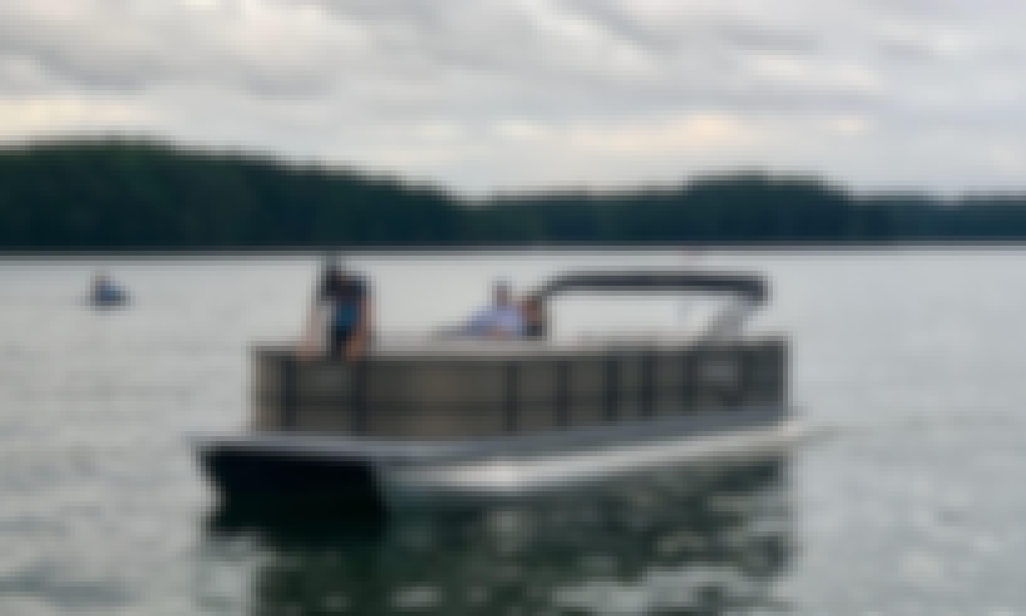2021 Bentley Pontoon 24ft on Lake Lanier